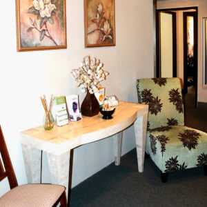 Picture of the waiting room at Satori Massage in Ferndale, WA